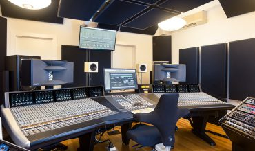 Precision Sound Based in New York City, Precision Sound is the studio of producer/engineer Alex Stirling, featuring OWA HR4S monitor systems.