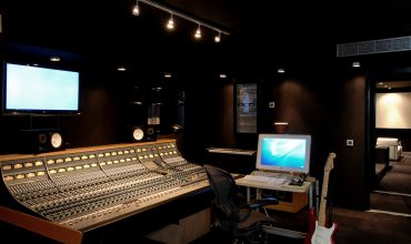 Ocean Way St. Barths The beautiful Ocean Way Studio at Saint Barthélemy in the Caribbean with HR2 monitors.